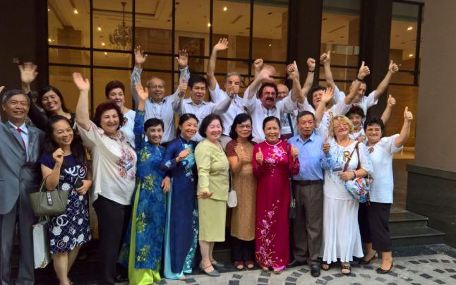 Foşti studenţi români şi vietnamezi, din nou împreună după 40 de ani. Cât de iubită e România în Hanoi, la 10.000 km distanţă